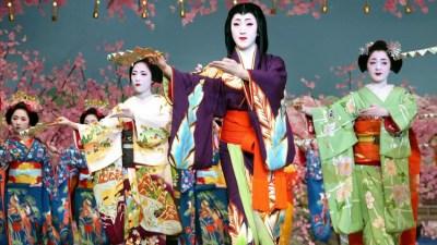 Фестиваль танца (Мияко Одори) в Японии