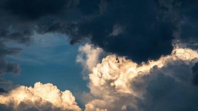 17 марта отмечают День встречи ветра с Южного Полюса